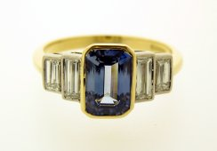 "18ct yellow gold & Platinum Sapphire & ""baguette"" Diamond ring"